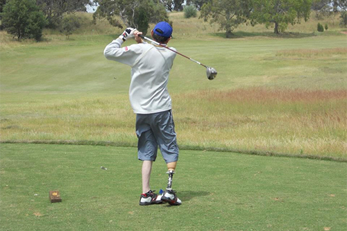 Disabled golfer using the birtee