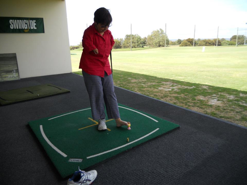 Adaptive golf tee